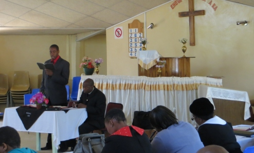 Rev. S. L. Letsie of Mohale's Hoek LECSA leads worship